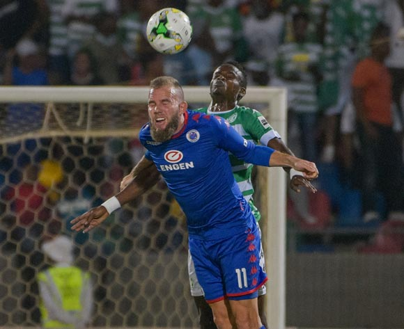 Jeremy Brockie of SuperSport United and Ronald Pfumbizai of Bloemfontein Celtic during the Absa Premiership 2017/18 game between Bloemfontein Celtic and SuperSport United at Dr Molemela Stadium in Bloemfontein on 20 December 2017 © Frikkie Kapp/BackpagePix