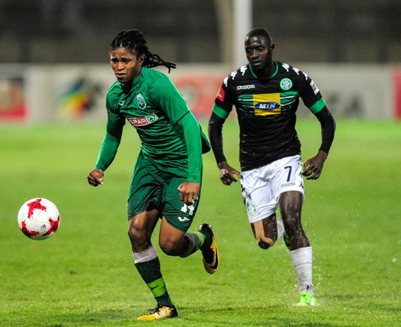 Deon Hotto of Bloemfontein Celtic chases Siyethemba Mnguni of AmaZulu FC during the Absa Premiership 2017/18 game between AmaZulu and Bloemfontein Celtic at King Zwelithini Stadium, Durban on 6 December 2017 © Gerhard Duraan/BackpagePix