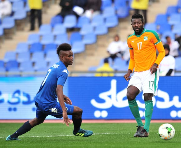 Konan Raoul Thierry of Ivory Coast challenged by Nandjebo Junias Theophilus of Namibia during the 2018 CHAN football game between Ivory Coast and Namibia at the Grand Stadium in Marrakech, Morocco on 14 January 2017 ©Samuel Shivambu/BackpagePix