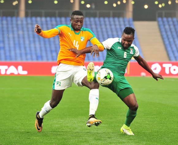 Simon Silwimba of Zambia challenged by Mohamed Vieira Sanogo of Ivory Coast during the 2018 CHAN football game between Ivory Coast and Zambia at the Grand stade Marrakech in Marrakech, Morocco on 18 January 2017 ©Samuel Shivambu/BackpagePix