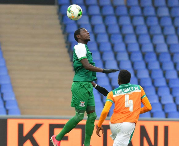 Lazarous Kambole of Zambia challenged by Wonlo Coulibaly of Ivory Coast during the 2018 CHAN football game between Ivory Coast and Zambia at the Grand stade Marrakech in Marrakech, Morocco on 18 January 2017 ©Samuel Shivambu/BackpagePix