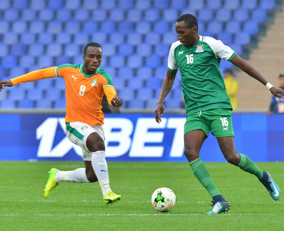 Kondwani Mtonga of Zambia challenged by Brou Manasse Ngoh of Ivory Coast during the 2018 CHAN football game between Ivory Coast and Zambia at the Grand stade Marrakech in Marrakech, Morocco on 18 January 2017 ©Samuel Shivambu/BackpagePix