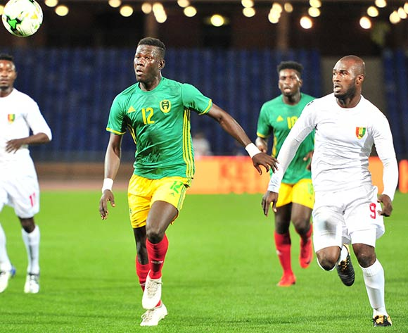 Demba Trawre of Mauritania challenged by challenged by Aboubacar Camara of Guinea during the 2018 CHAN football game between Mauritania and Guinea at the Grand stade Marrakech in Marrakech, Morocco on 21 January 2017 ©Samuel Shivambu/BackpagePix