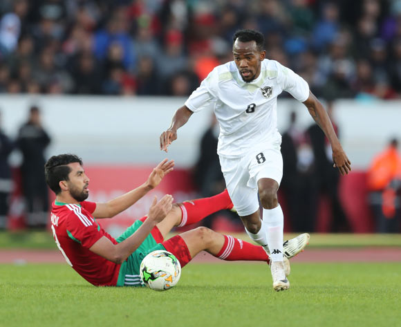Dynamo Carlos Fredericks of Namibia evades tackle from Salaheddine Saidi of Morocco during the 2018 Chan quarterfinal football match between Morocco and Namibia at Stade Mohammed V in Casablanca, Morocco on 27 January 2018 ©Gavin Barker/BackpagePix