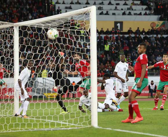 Salaheddine Saidi of Morocco heads ball to score past Loydt Jaseuavi Kazapua, goalkeeper of Namibia during the 2018 Chan quarterfinal football match between Morocco and Namibia at Stade Mohammed V in Casablanca, Morocco on 27 January 2018 ©Gavin Barker/BackpagePix