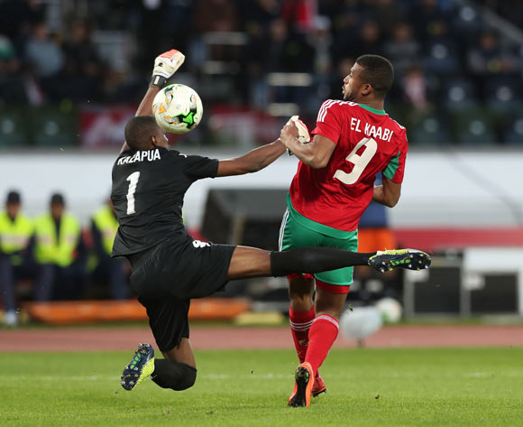 Ayoub El Kaabi of Morocco flicks ball past Loydt Jaseuavi Kazapua of Namibia during the 2018 Chan quarterfinal football match between Morocco and Namibia at Stade Mohammed V in Casablanca, Morocco on 27 January 2018 ©Gavin Barker/BackpagePix