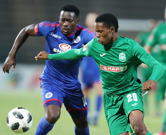 Sibusiso Mabiliso of AmaZulu challenged by Kingston Nkhatha of Supersport United during the Absa Premiership 2017/18 match between Supersport United and AmaZulu at Lucas Moripe Stadium, Atteridgeville South Africa on 31 January 2018 ©Muzi Ntombela/BackpagePix