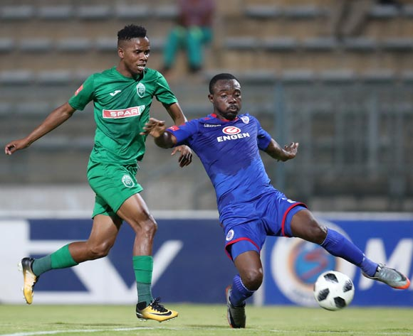 Richard Kissi Boateng of Supersport United challenged by Sduduzo Dlamini of AmaZulu during the Absa Premiership 2017/18 match between Supersport United and AmaZulu at Lucas Moripe Stadium, Atteridgeville South Africa on 31 January 2018 ©Muzi Ntombela/BackpagePix