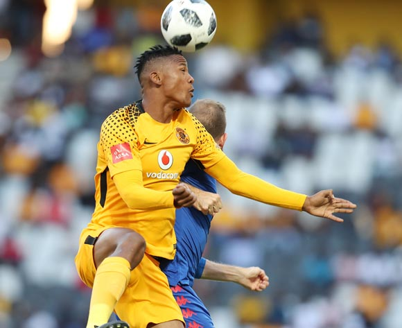 Siyabonga Ngezana of Kaizer Chiefs clears ball from Jeremy Brockie of Supersport United during the Absa Premiership 2017/18 match between Supersport United and Kaizer Chiefs at Mbombela Stadium, Mpumalanga South Africa on 06 January 2018 ©Muzi Ntombela/BackpagePix
