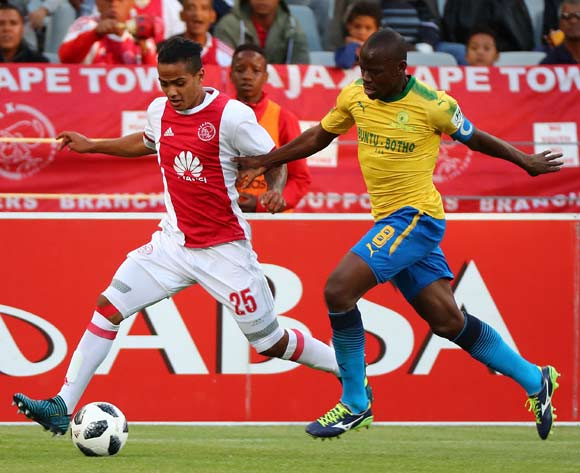 Sirgio Kammies of Ajax Cape Town evades challenge from Hlompho Kekana of Mamelodi Sundowns during the Absa Premiership 2017/18 football match between Ajax Cape Town and Mamelodi Sundowns at Cape Town Stadium, Cape Town on 9 January 2018 ©Chris Ricco/BackpagePix