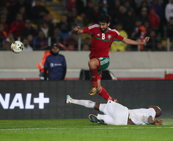 Salaheddine Saidi of Morocco evades tackle from Sidi Mohamed Bilal Ngara of Mauritania  during the 2018 Chan football game between Morocco and Mauritania at Stade Mohammed V in Casablanca, Morocco on 13 January 2018 ©Gavin Barker/BackpagePix