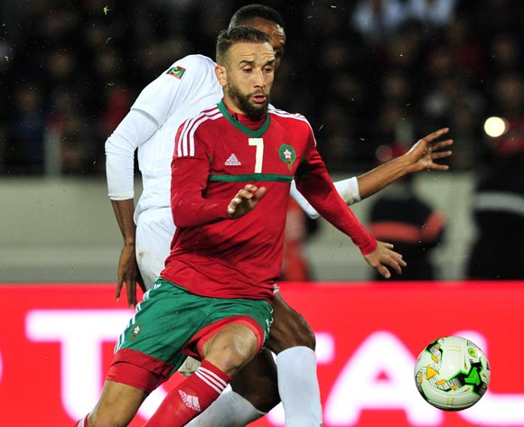 Zakaria Hadraf of Morocco controls ahead of Mbark El Id Abdou of Mauritania during the 2018 Chan game between Morocco and Mauritania at Stade Mohammed V in Casablanca, Morocco on 13 January 2018 © Ryan Wilkisky/BackpagePix