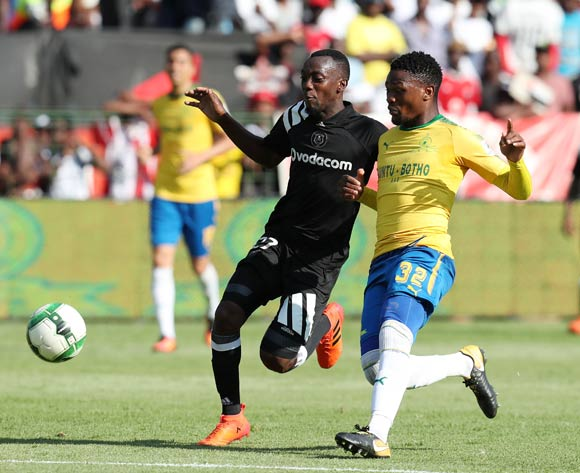 Justin Shonga of Orlando Pirates challenged by Motjeka Madisa of Mamelodi Sundowns during the Absa Premiership 2017/18 match between Mamelodi Sundowns and Orlando Pirates at Loftus Versveld Stadium, Pretoria South Africa on 13 January 2018 ©Muzi Ntombela/BackpagePix