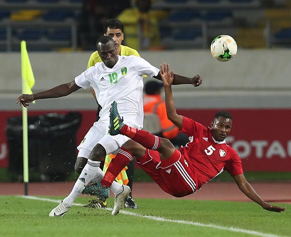 Bakri Bachir Bakri Makki of Sudan fouled by Cheikh Samba El Voullany of Mauritania during the 2018 Chan football game between Sudan and Mauritania at Stade Mohammed V in Casablanca, Morocco on 17 January 2018 ©Gavin Barker/BackpagePix