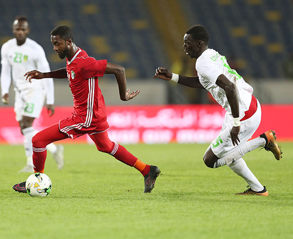Maaz Abdelraheem Gismalla of Sudan evades tackle from Oumar Mangane of Mauritania during the 2018 Chan football game between Sudan and Mauritania at Stade Mohammed V in Casablanca, Morocco on 17 January 2018 ©Gavin Barker/BackpagePix