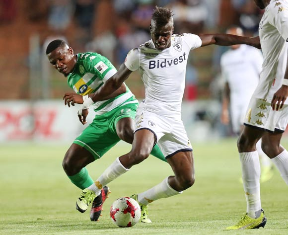 Edwin Gymah of Bidvest Wits challenged by Tshegofatso Mabaso of Bloemfontein Celtic during the Absa Premiership 2017/18 match between Bidvest Wits and Bloemfontein Celtic at Bidvest Stadium, Johannesburg South Africa on 19 January 2018 ©Muzi Ntombela/BackpagePix