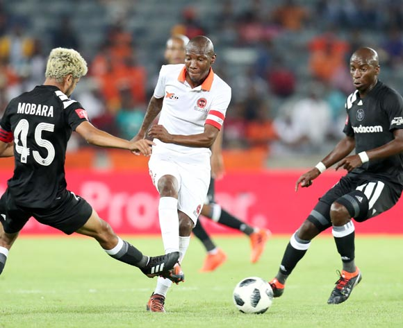 Jabulani Malulekeh of Polokwane City challenged by Abbubaker Mobara (l) and Musa Nyatama of Orlando Pirates during the Absa Premiership 2017/18 match between Orlando Pirates and Polokwane City at Orlando Stadium, Soweto South Africa on 20 January 2018 ©Muzi Ntombela/BackpagePix