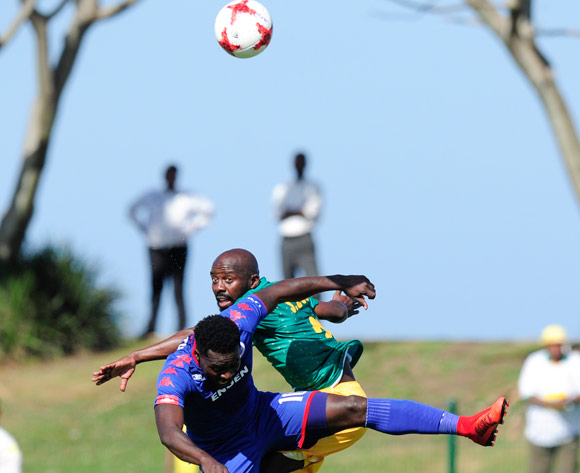 Sandile Zuke of Lamontville Golden Arrows gets higher to play the ball than Kingston Nkhatha of Supersport United during the Absa Premiership 2017/18 game between Golden Arrows and Supersport United  at Princess Magogo Stadium, KwaZulu-Natal on 14 January 2018 © Gerhard Duraan/BackpagePix