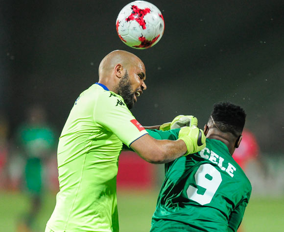 close call for Riyaad Pieterse of Supersport United as Mhlengi Cele of AmaZulu FC  tries to get the ball past him during the Absa Premiership 2017/18 match between AmaZulu FC and SuperSport United at King Zwelithini Stadium, Kwazulu Natal South Africa on 20 January 2018 ©Gerhard Duraan/BackpagePix