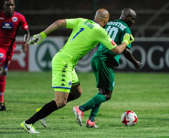 Siyabonga Nomvethe of AmaZulu FC manages to turn and attack the goals leaving Reyaad Pieterse of Supersport United scrambling in defence during the Absa Premiership 2017/18 match between AmaZulu FC and SuperSport United at King Zwelithini Stadium, Kwazulu Natal South Africa on 20 January 2018 ©Gerhard Duraan/BackpagePix