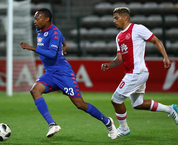 Thabo Mnyamane of Supersport United gets away from Toriq Losper of Ajax Cape Town during the Absa Premiership 2017/18 football match between Ajax Cape Town and SuperSport United at Athlone Stadium, Cape Town on 28 February 2018 ©Chris Ricco/BackpagePix