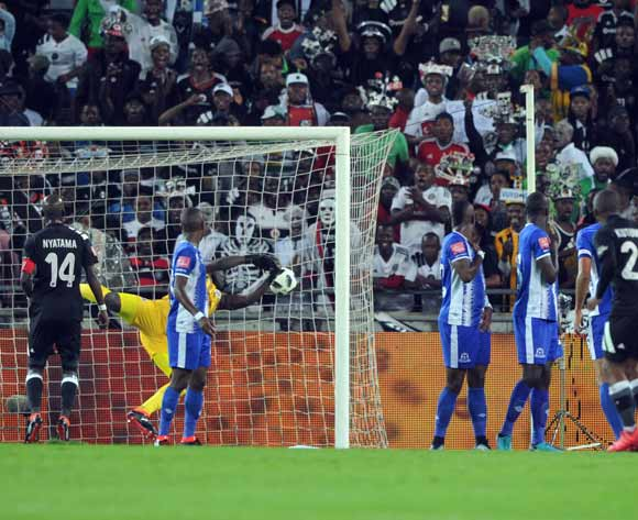 Thabiso Kutumela of Orlando Pirates scores past Richard Ofori of Maritzburg United during the Absa Premiership match between Orlando Pirates and Maritzburg United on 03 February 2018 at  Orlando Stadium Pic Sydney Mahlangu/BackpagePix