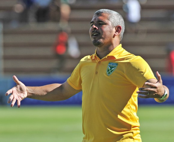 Clinton Larsen: Kaizer Chiefs under pressure to win cups