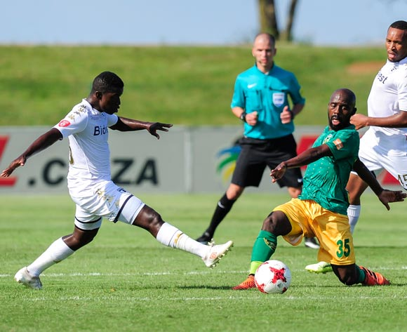 Sifiso Myeni of Bidvest Wits tries to get the ball from Sandile Zuke of Lamontville Golden Arrows during the Absa Premiership 2017/18 game between Golden Arrows and Bidvest Wits at King Zwelithini Stadium, Kwa-Zulu Natal on 17 February 2018 © Gerhard Duraan/BackpagePix