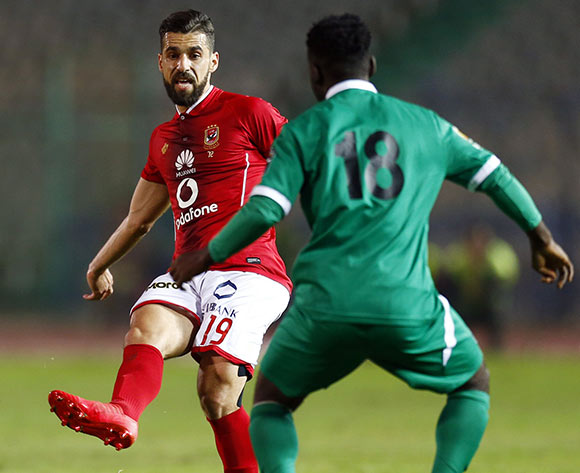 epa06585757 Al Ahly player Abdallah Said (L) in action against CF Mounana  player Ralph Bamba (R) during the African Champions League (CAF) Round of 32 match between Al Ahlyvs CF Mounana  at international cairo Stadium in Cairo, Egypt, 06 March 2018.  EPA/KHALED ELFIQI