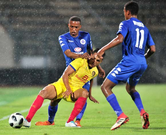 Tiago Azulao of Atletico Petro challenged by Grant Kekana and Jamie Webber of Supersport United during the 2018 Caf Confederations Cup match between Supersport United and Atletico Petro at Lucas Moripe Stadium, Pretoria on 16 March 2018 ©Samuel Shivambu/BackpagePix