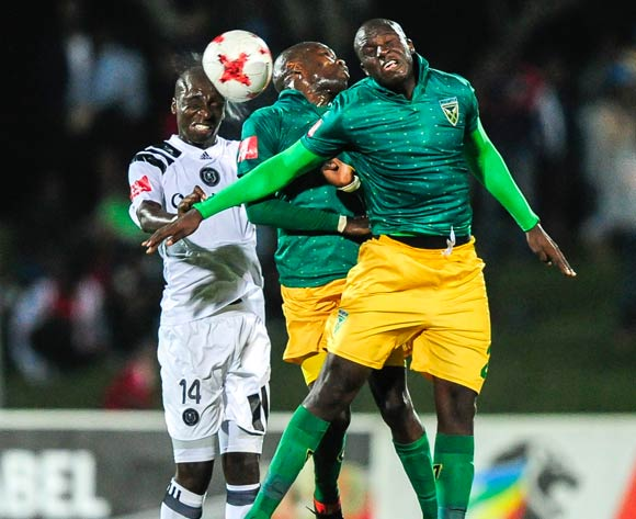 Musa Nyatama of Orlando Pirates headers the ball despite the defence of Lerato Lamola and Musa Bilankulu of Lamontville Golden Arrows during the 2017/18 Absa Premiership football match between Golden Arrows and Orlando Pirates at Princess Magogo Stadium, Durban on 17 March 2018 ©Gerhard Duraan/BackpagePix