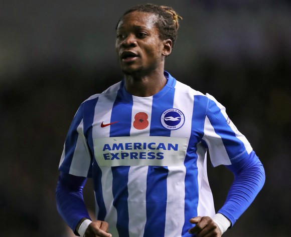 Cameroon's Bong extends Brighton stay