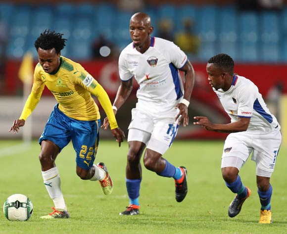 Percy Tau of Mamelodi Sundowns challenged by Mark Mayambela (c) and Paseka Mako of Chippa United during the Absa Premiership 2017/18 match between Mamelodi Sundowns and Chippa United at Loftus Versveld Stadium, Johannesburg on 04 April 2018 ©Muzi Ntombela/BackpagePix