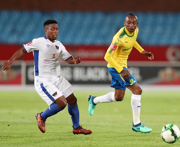 Khama Billiat of mamelodi Sundowns challenged by Buyani Sali of Chippa United during the Absa Premiership 2017/18 match between Mamelodi Sundowns and Chippa United at Loftus Versveld Stadium, Johannesburg on 04 April 2018 ©Muzi Ntombela/BackpagePix