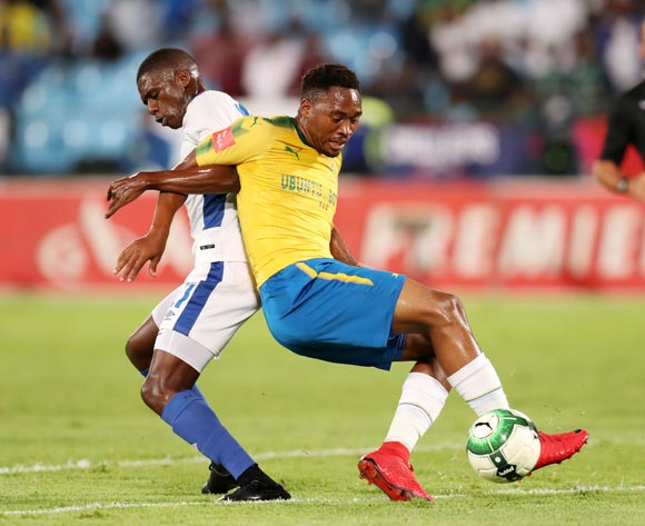 Sibusiso Vilakazi of Mamelodi Sundowns shields ball from Abel Mabaso of Chippa United during the Absa Premiership 2017/18 match between Mamelodi Sundowns and Chippa United at Loftus Versveld Stadium, Johannesburg on 04 April 2018 ©Muzi Ntombela/BackpagePix