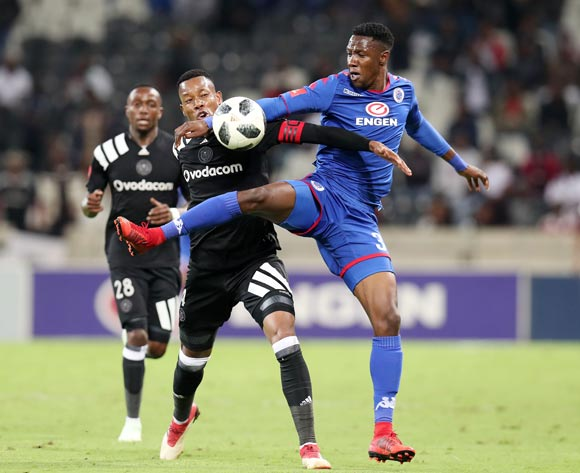 Evans Rusike of Supersport United challenges Happy Jele of Orlando Pirates during the Absa Premiership 2017/18 match between Supersport United and Orlando Pirates at Mbombela Stadium, Johannesburg on 11 April 2018 ©Muzi Ntombela/BackpagePix