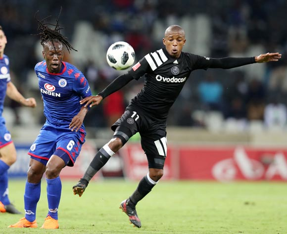 Reneilwe Letsholonyane of Supersport United challenged by Luvuyo Memela of Orlando Pirates  during the Absa Premiership 2017/18 match between Supersport United and Orlando Pirates at Mbombela Stadium, Johannesburg on 11 April 2018 ©Muzi Ntombela/BackpagePix