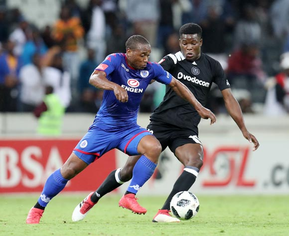 Thuso Phala of Supersport United challenged by Marshall Munetsi of Orlando Pirates during the Absa Premiership 2017/18 match between Supersport United and Orlando Pirates at Mbombela Stadium, Johannesburg on 11 April 2018 ©Muzi Ntombela/BackpagePix
