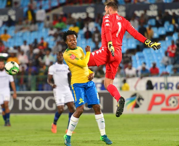 Percy Tau of Mamelodi Sundowns challenged by Darren Keet of Bidvest Wits during the Absa Premiership 2017/18 football match between Mamelodi Sundowns and Bidvest Wits  at Loftus Stadium, Pretoria on 14 April 2018 ©Samuel Shivambu/BackpagePix