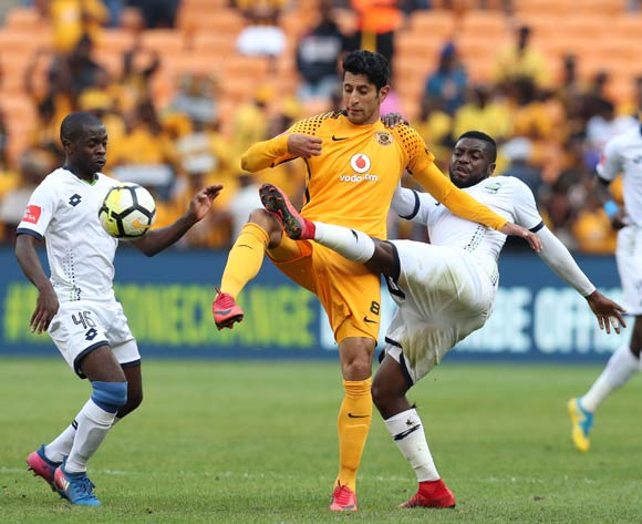 Leonardo Castro of Kaizer Chiefs challenged by Wangu Gome (l) and Nyiko Tshabalala of Platinum Stars during the Absa Premiership 2017/18 match between Kaizer Chiefs and Platinum Stars at FNB Stadium, Johannesburg on 15 April 2018 ©Muzi Ntombela/BackpagePix