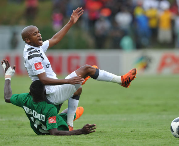 Sedate Our Okoriko of AmaZulu challenges Luvuyo Memela of Orlando Pirates during the Absa Premiership match between AmaZulu and Orlando Pirates 15 April  2018 at King Zwelithini Stadium, Durban  Pic Sydney Mahlangu/BackpagePix