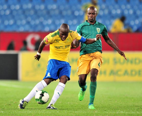 Hlompho Kekana of Mamelodi Sundowns challenged by Lerato Lamola of Golden Arrows during the Absa Premiership 2017/18 football match between Mamelodi Sundowns and Golden Arrows at Loftus Stadium, Pretoria on 17 April 2018 ©Samuel Shivambu/BackpagePix