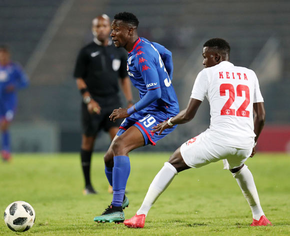 Evans Rusike of Supersport United challenged by Bengali Keita of Free State Stars during the Absa Premiership 2017/18 match between Supersport United and Free State Stars at Lucas Moripe Stadium, Atteridgeville on 25 April 2018 ©Muzi Ntombela/BackpagePix
