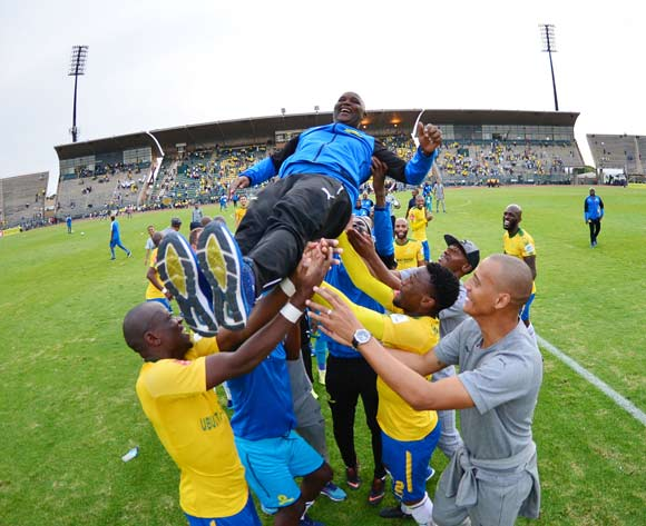 Pitso Mosimane, coach of Mamelodi Sundowns celebrates a victory with players lifting him up during the Absa Premiership 2017/18 football match between Mamelodi Sundowns and Ajax Cape Town at Lucas Moripe Stadium, Rustenburg on 28 April 2018 ©Samuel Shivambu/BackpagePix