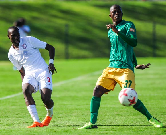 Nyiko Mobbie of Free State Stars FC neatly places the ball in a gap before the defence of Vukile Mngqibisa of Golden Arrows arrives during the Absa Premiership 2017/18 game between Golden Arrows and Free State Stars at Princess Magogo Stadium, KwaZulu-Natal on 7 April 2018 © Gerhard Duraan/BackpagePix