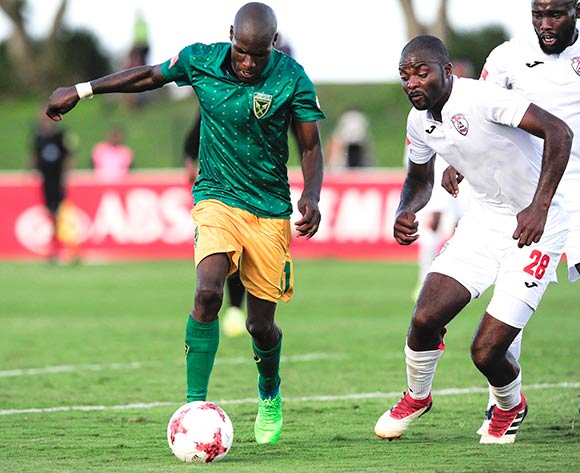 Lerato Lamola of Lamontville Golden Arrows gets away from the defence of Rooi Mahamutsa of Free State Stars FC  during the Absa Premiership 2017/18 game between Golden Arrows and Free State Stars at Princess Magogo Stadium, KwaZulu-Natal on 7 April 2018 © Gerhard Duraan/BackpagePix
