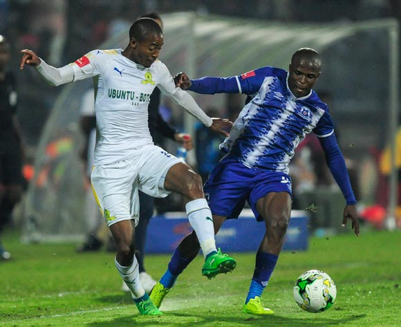 Thapelo Morena of Mamelodi Sundowns FC and Mxolisi Kunene of Maritzburg United compete to get to the ball during the Absa Premiership 2017/18 game between Maritzburg United and Mamelodi Sundowns at Harry Gwala Stadium in Pietermaritzburg on 25 April 2018 © Gerhard Duraan/BackpagePix