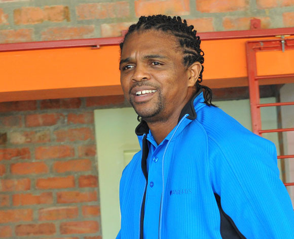 Football legend Kanu to run for president of Nigeria in 2019