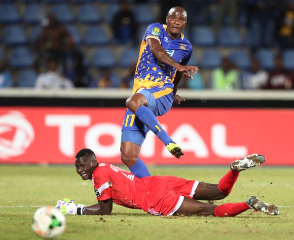 Joel Mogorosi of Township Rollers shoots misses shot challenged by Tom Ikara of KCCA during the 2018 CAF Champions League football match between Township Rollers and KCCA at the National Stadium, Gaborone, Botswana on 04 May 2018 ©Gavin Barker/BackpagePix