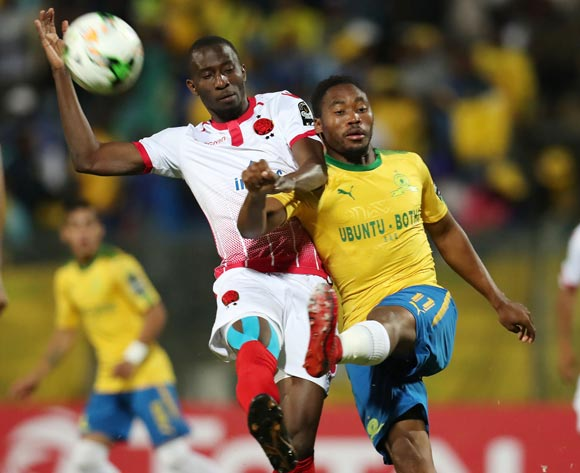 Sibusiso Vilakazi of Mamelodi Sundowns clears ball from Cheick Ibrahim Comara of Wydad during the 2018 CAF Champions League match between Mamelodi Sundowns and Wydad at Lucas Moripe Stadium, Atteridgeville on 05 May 2018 ©Muzi Ntombela/BackpagePix